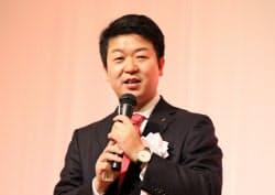 賀詞交換会であいさつするアイリスオーヤマの大山晃弘社長(10日、仙台市内)