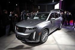 GMが公開した「キャデラック」の新型SUV=AP