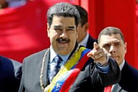 マドゥロ大統領が今や最も恐れるべきは自分の仲間による裏切りだとの指摘も=ロイター