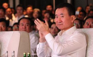 大連万達集団(ワンダ?グループ)の王健林董事長は党の意向に従う姿勢に転じた