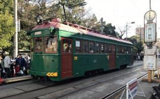 1928年製の車両も住吉大社への参拝客輸送に活躍する(大阪市)