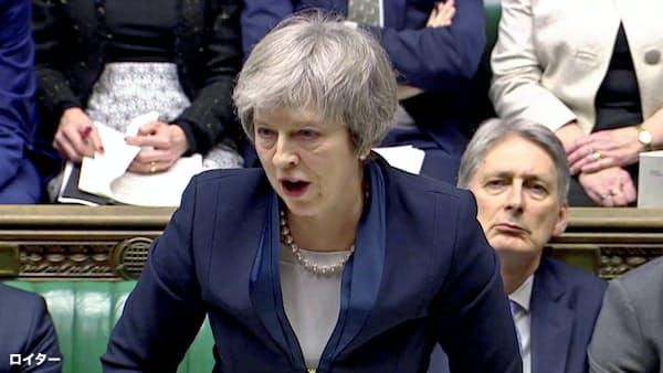 [社説]英国は合意なき離脱を超党派で回避せよ