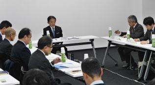 JR日田彦山線の復旧を協議するJR九州と沿線自治体の担当者(16日、福岡市)
