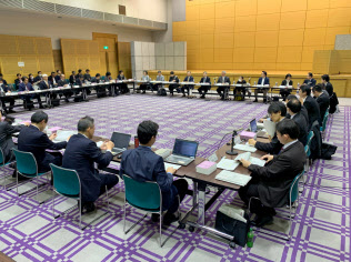 17日に総務省が「モバイル市場の競争環境に関する研究会」と「ICTサービス安心・安全研究会 消費者保護ルールの検証に関するワーキンググループ」の合同会合を開催した