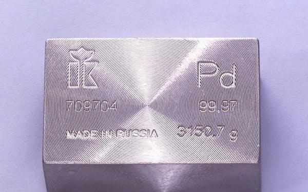 パラジウムは自動車の排ガス触媒など工業用に使う