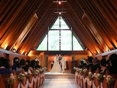 アジアのカップルは軽井沢めざす 挙式に人気上昇