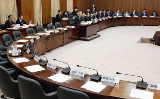 立憲民主党などの野党が欠席し、開かれた衆院憲法審査会(18年11月)