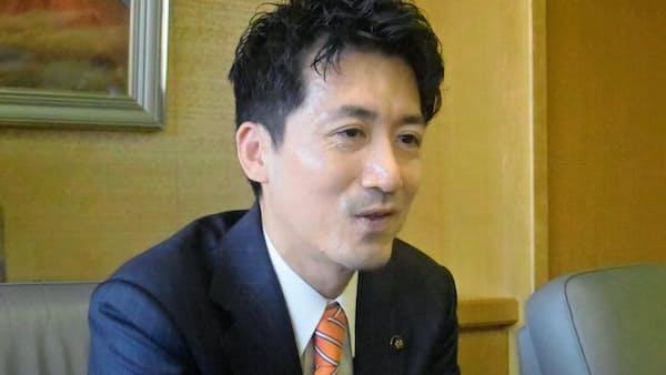 伊丹の国際線就航に慎重 川西市長、騒音対策が前提