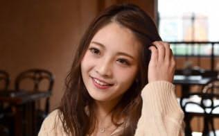 ほんたに・さき 1990年和歌山市生まれ。2011年、モデル事務所ハイブリッドバンクに所属。14年、ミス東京ガールズコレクションで準グランプリ、ファッション誌「S Cawaii!」専属モデル。15年、和歌山県公式インスタグラムイメージガール。