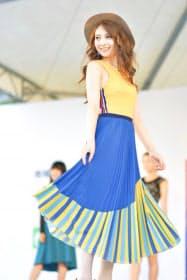 ファッションショーに出演した本谷さん