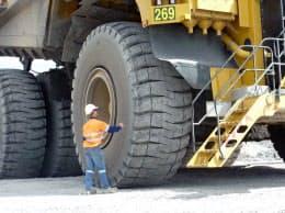ブリヂストンは鉱山用タイヤでデータを活用した保守サービスを展開している