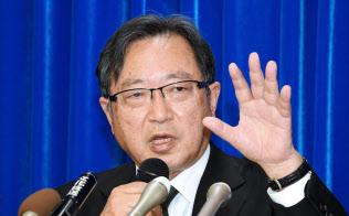 22日に記者会見した特別監察委員会の樋口美雄委員長
