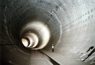 浸水被害に備え、調節池の整備を進める(環状7号線地下広域調節池、東京都提供)