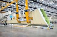 ボンバルディアの翼部材工場
