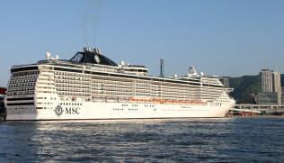 大型イタリア客船「MSCスプレンディダ」が18年に神戸港に初入港した