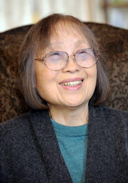 笑顔をみせる石牟礼道子さん(2012年2月)