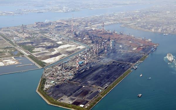 高炉1基の操業が停止しているJFEスチール西日本製鉄所(岡山県倉敷市)