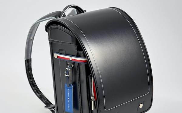 PVHジャパンが3月に発売する「トミー・ヒルフィガー」初のランドセル(写真は黒)