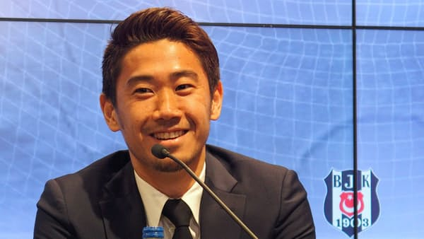 香川、入団記者会見「勝利に貢献」と意気込み