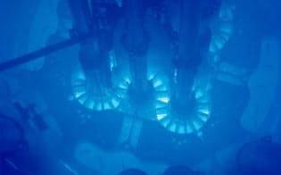 斉藤教授らは米国の原子炉を使い燃料の燃え方を確かめた(ATR)の内部(米アイダホ国立研究所提供)