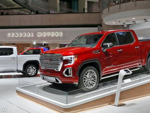 大型車の販売が伸びたことで売上高は増加した(1月の北米国際自動車ショー)=AP