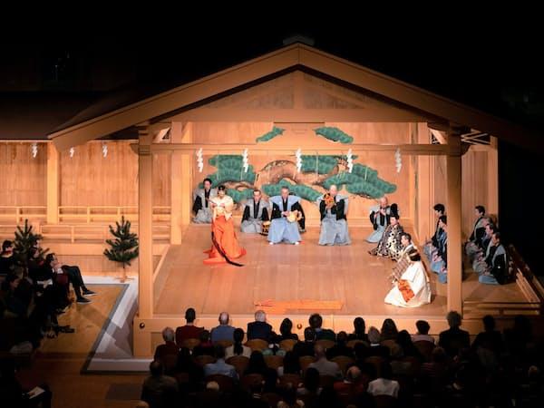 「葵上(あおいのうえ)」の舞台(6日、パリ)(C)KOS-CREA
