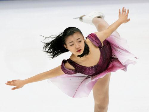 女子SP、坂本2位・紀平5位 四大陸フィギュア: 日本経済新聞
