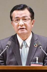 セミナー宣言を採択する関西経済同友会の池田博之代表幹事(8日、京都市左京区)