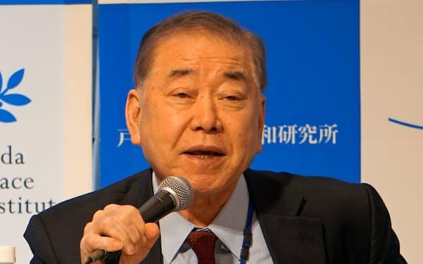 8日、都内で講演する韓国の文正仁大統領統一外交安保特別補佐官