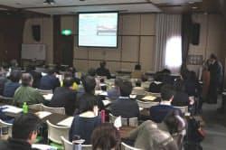 都立広尾病院事故から20年を検証するシンポジウムで事故当時を振り返る永井裕之さん(右)(10日、東京・文京)