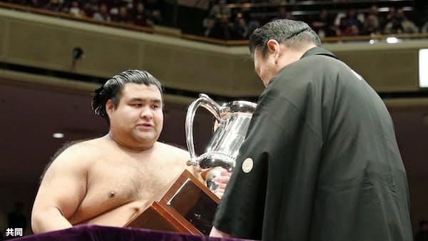 大関・高安が初優勝 大相撲トーナメント