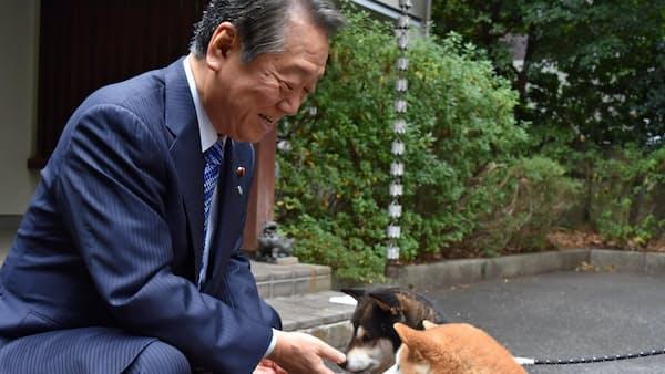 小沢一郎氏と愛犬(写真でみる永田町)