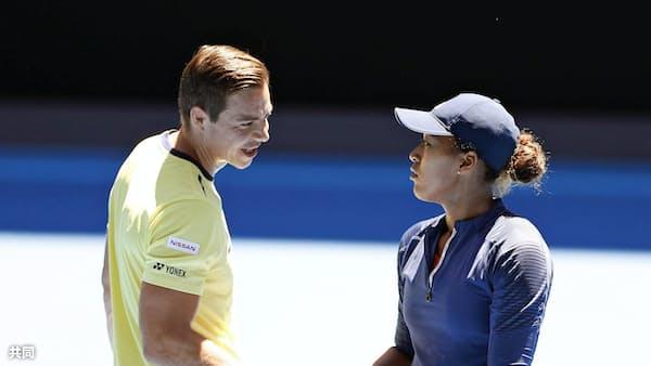 テニス界では日常茶飯事 大坂、コーチと契約解消