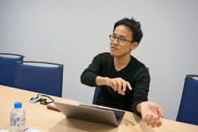 海野裕也は人気アニメ「ドラゴンボール」を引き合いに「自分は地球人、岡野原はサイヤ人」と例える