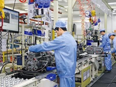 世界景気「悪化」25%、中国に懸念9割(社長100人アンケート)