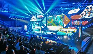 eスポーツはインドネシアで開かれたアジア大会の公開競技となった(18年8月、ジャカルタ)