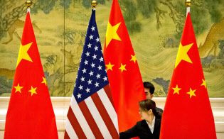 米中の貿易協議が今後も続く中、国際的な供給網や投資の流れに驚くような変化が生まれるかもしれない=ロイター