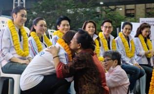 タイでは3月の総選挙に向け、過去最多の約1万4000人が出馬申請