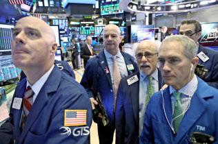 NY株は3カ月ぶり高値に上昇(ニューヨーク証券取引所)=ロイター