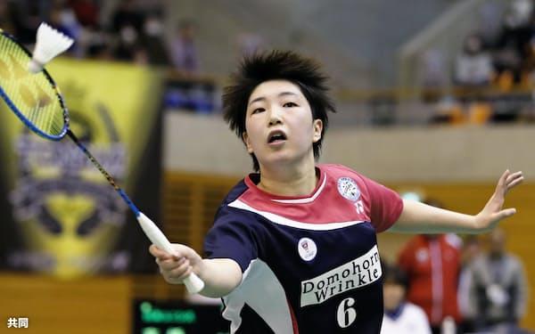 女子決勝で日本ユニシスに勝利した再春館製薬所の山口茜(17日、サイデン化学アリーナ)=共同