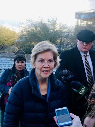 大統領選に出馬表明したウォーレン上院議員は「超富裕層増税」を提唱する(17日、米ネバダ州ラスベガス)