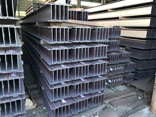 H形鋼などの価格を据え置いて海外の鋼材市況を見極める(千葉県内の鉄鋼団地)