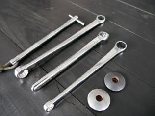 相場産業の工具ブランド「RUNWELL」。持ち手部分を立体的にして握りやすくした