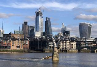英・EU間の金融決済の断絶は回避された(ロンドンの金融街シティー)