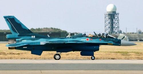 航空自衛隊のF2戦闘機(青森県三沢市)=共同