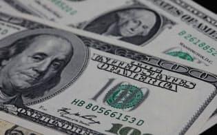 ドルは世界の基軸通貨の地位を維持してきた