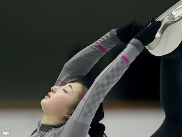 練習を公開したフィギュアスケート女子の坂本花織(21日、神戸市)=共同