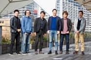 サムライインキュベートの榊原健太郎社長(左から3人目)ら