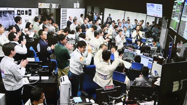 宇宙開発競争、日本の存在感増す はやぶさ2着陸成功