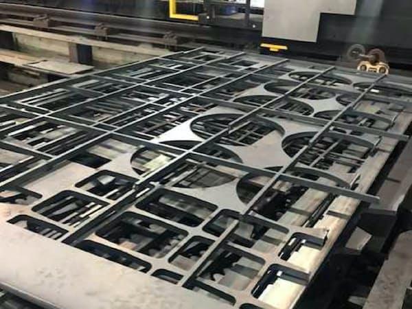 不純物が少ない鋼板の端材などには特に需要が集まる